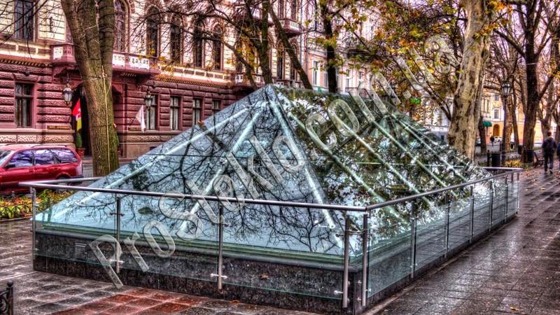 Античный музей на Приморском бульваре в Одессе