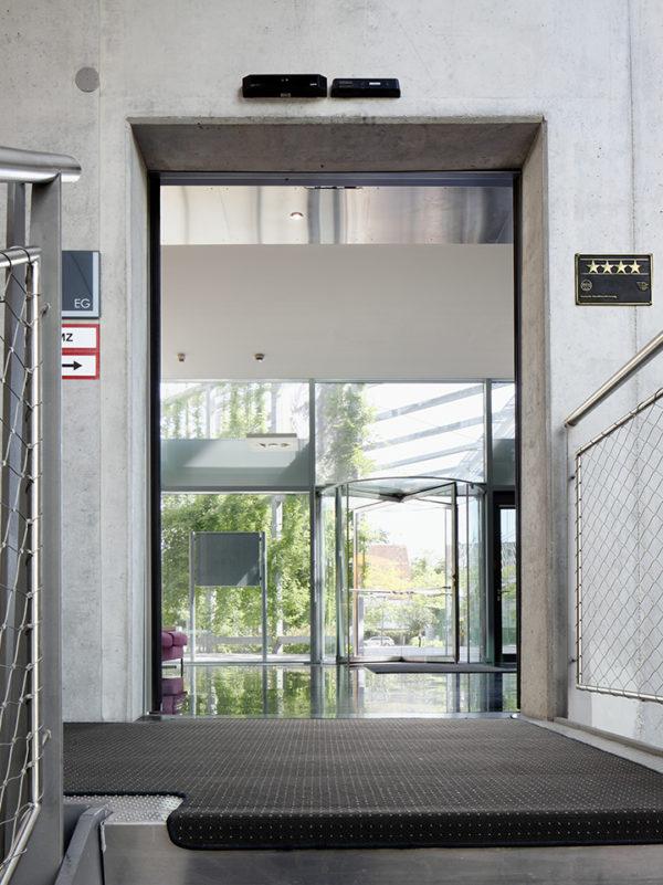 Автоматические раздвижные двери Geze