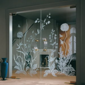 Двустворчатая маятниковая дверь из стекла