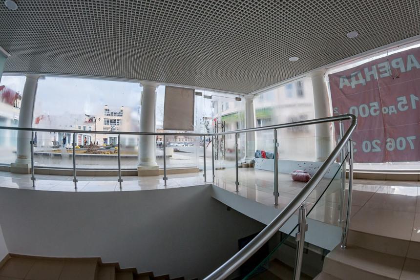 стеклянное ограждение для лестницы
