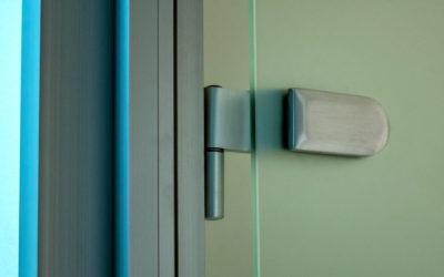 Петля стеклянной двери
