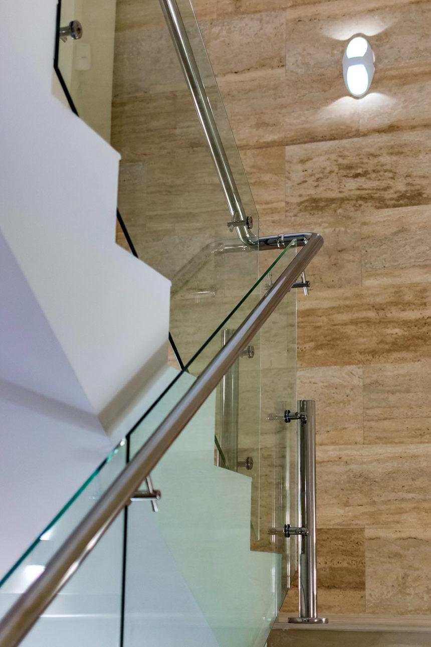 Ограждение лестницы в частном доме