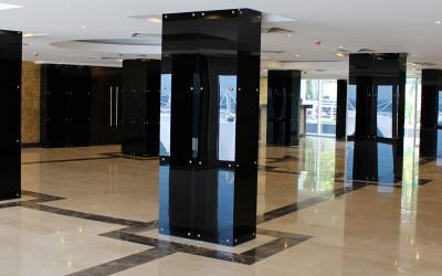 стеклянная колонна