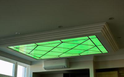 Стеклянный потолок с RGB подсветкой