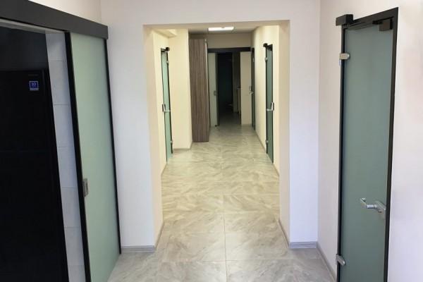 Офисные двери на доводчике GEZE