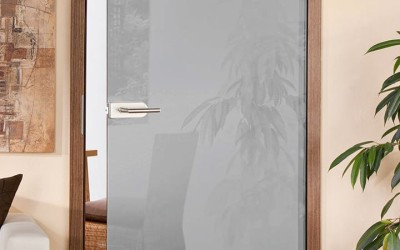 купить двери из стекла