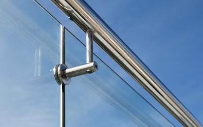 стеклянное ограждение на крыше