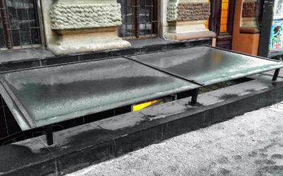 Стеклянный навес ресторан Rhino