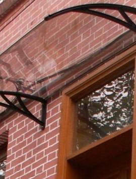 Закругленные козырек из гнутого стекла