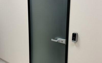 дверь в коробке