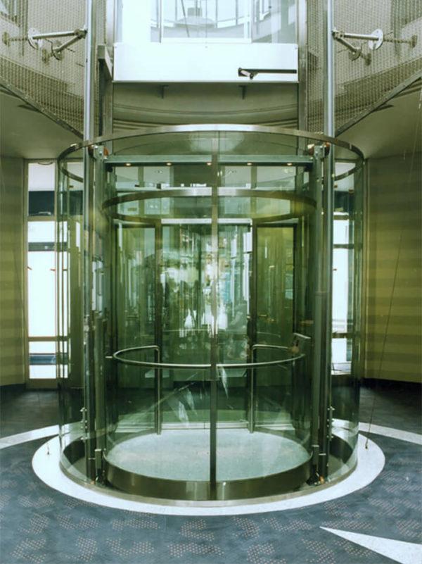 стеклянный лифт