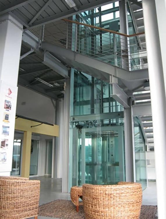 стеклянный лифт фото