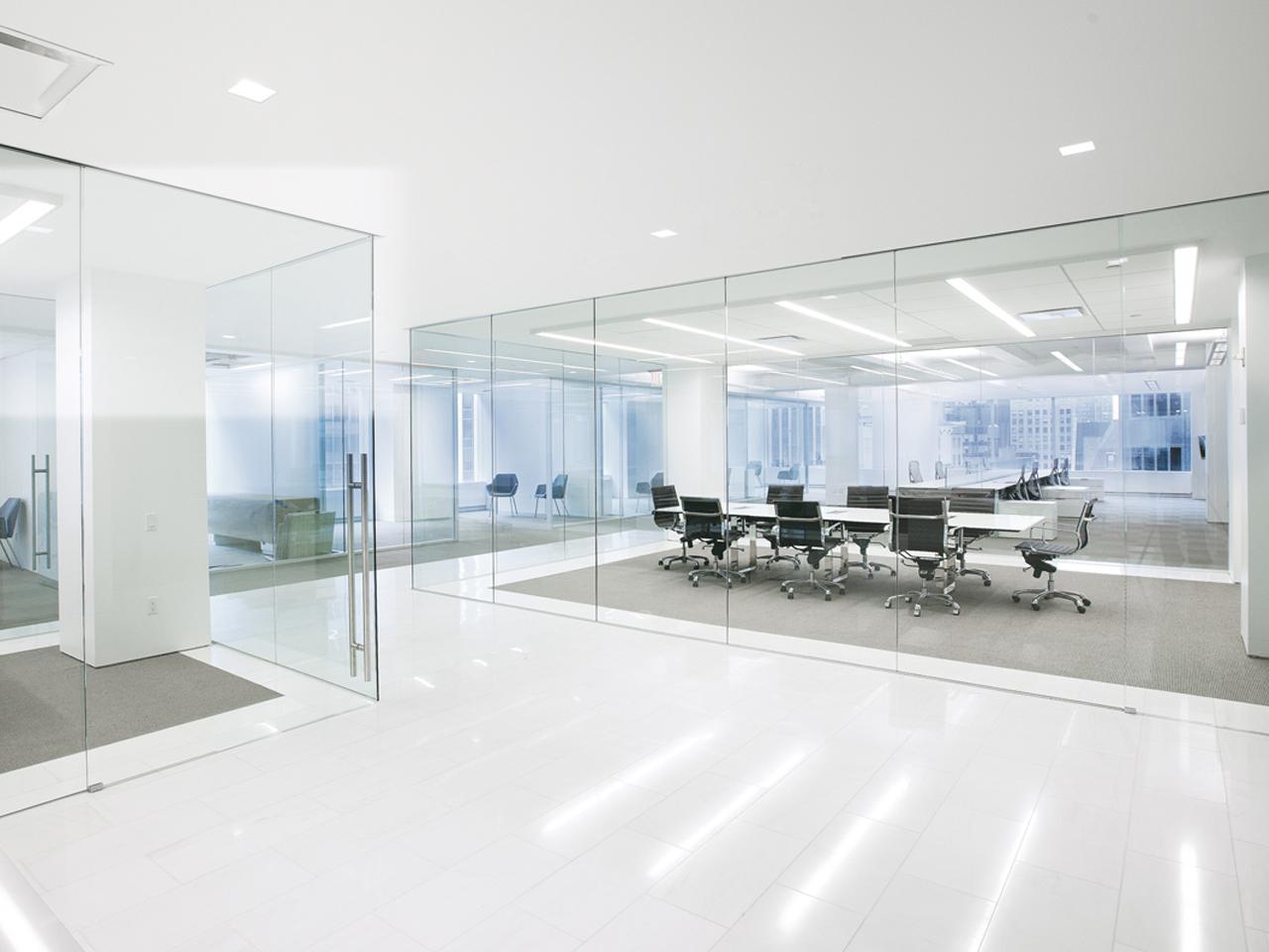 трехсторонняя офисная перегородка