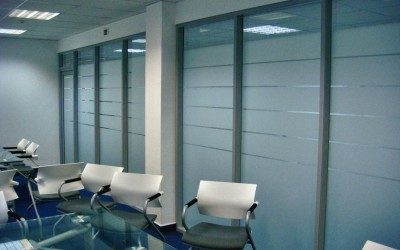 офисная перегородка из стекла
