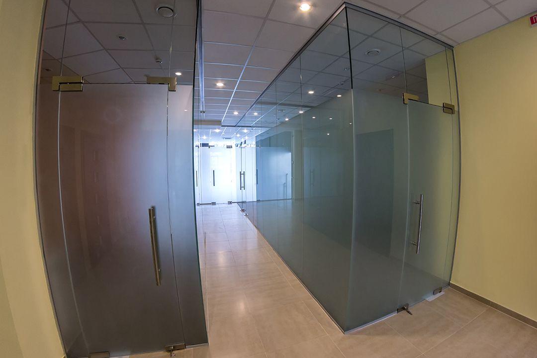 офисные перегородки из стекла фото