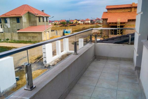Стеклянное ограждение балкона ЖМ Дайберг