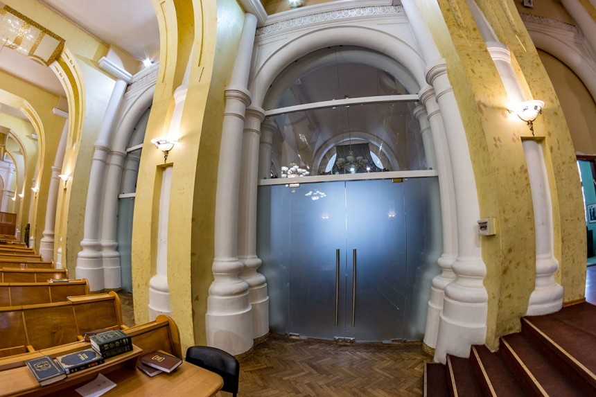 синагога остекление