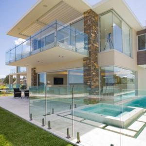 стеклянное ограждение бассейнов