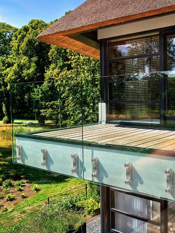 стеклянное ограждение балкона фото