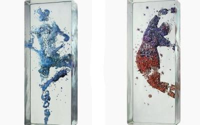 застывшие танцоры в стекле