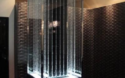 стеклянна колонна