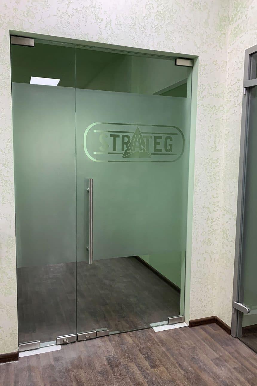 стеклянная штульповая дверь