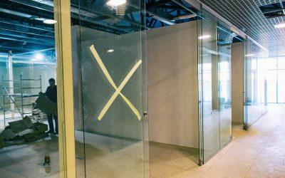 стеклянные перегородки в торговый центр