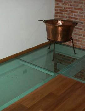 полы стеклянные