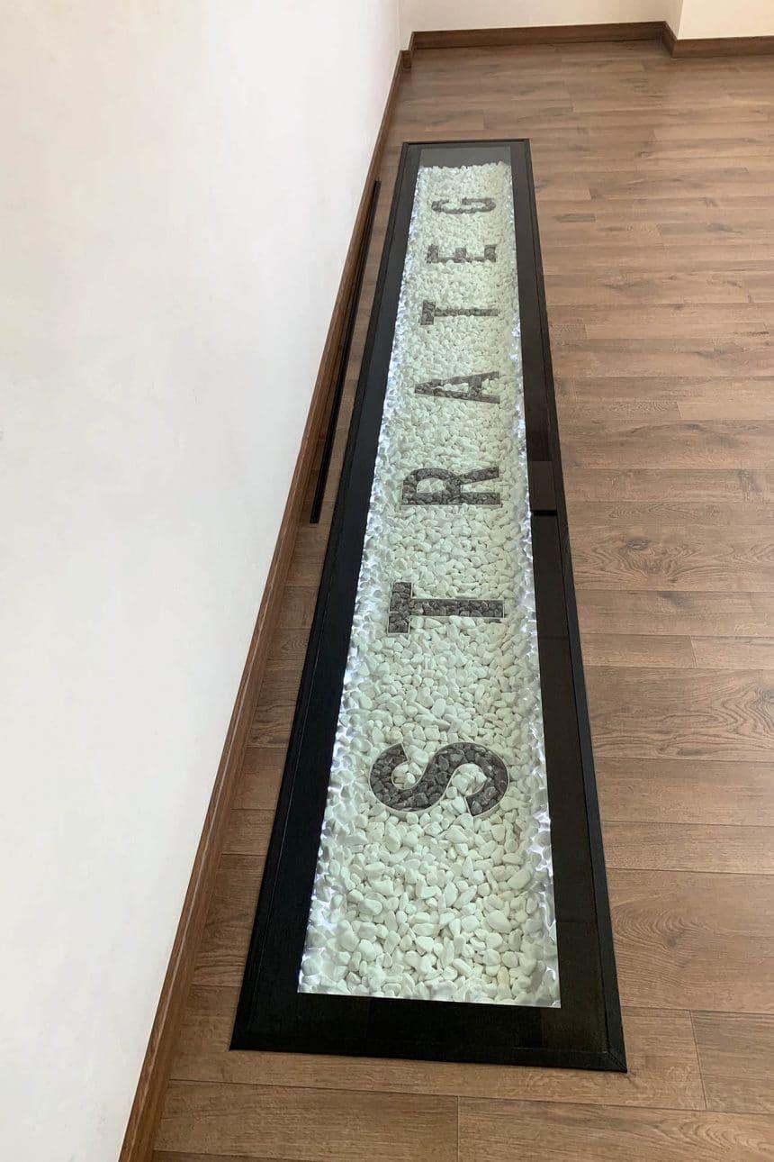 стеклянный пол в кабинет