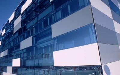 Функциональный и современный светопрозрачный фасад