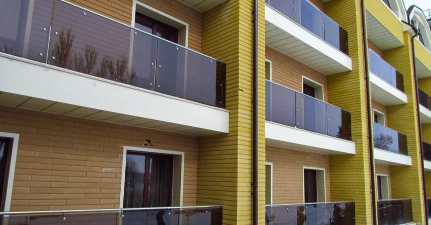 выбрать и установить стеклянное ограждение балкона