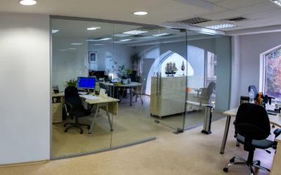 Стеклянные офисные перегородки в Одессе